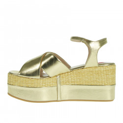 WEDGE GOLD WITH WRITING