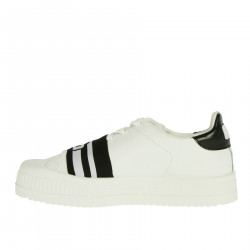 WHITE AND BLACK SNEAKER