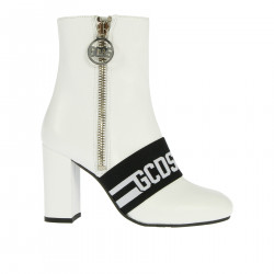WHITE AND BLACK LEATHER BOOT