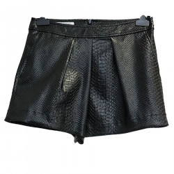 BLACK SHORTS IN FAUX LEATHER
