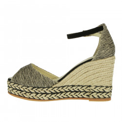 ANDA WEDGE SHOE