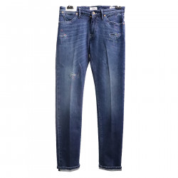 WASHED BLUE JEANS