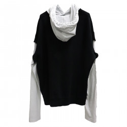 BLACK AND WHITE SWEATSHIRT WITH
