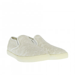 WHITE SLIP ON WITH LACE DETAILS