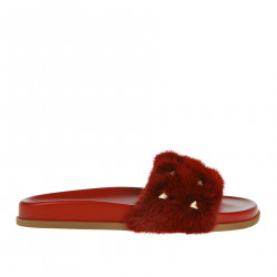 RED SLIPPER WITH FUR INSERTS
