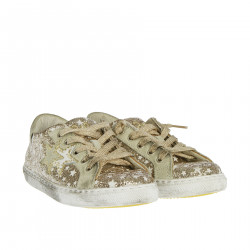 GOLD SNEAKER WITH STARS