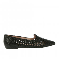 PERFORATED BLACK FLAT SHOE