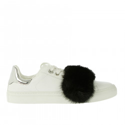 WHITE SNEAKERS WITH FUR
