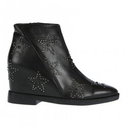 BLACK LEATHER BOOTS WITH STARS