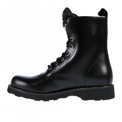BLACK LOW BOOT WITH STONES APPLICATIONS