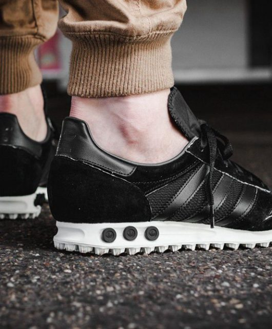 Adidas da uomo in saldo