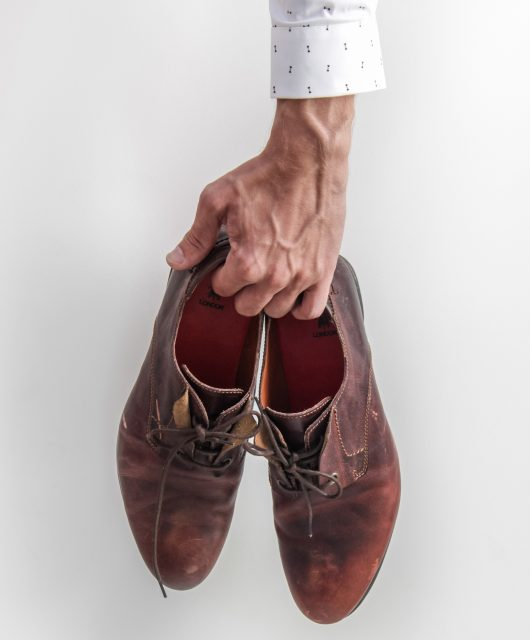 Scarpe stringate in pelle in saldo