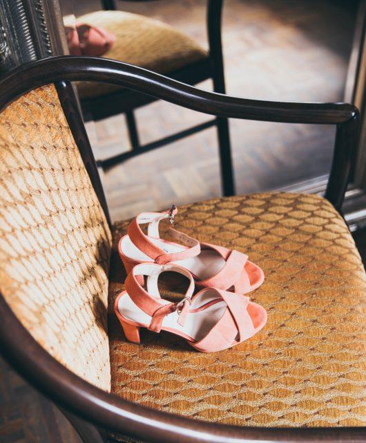 Sandali con tacco in saldo